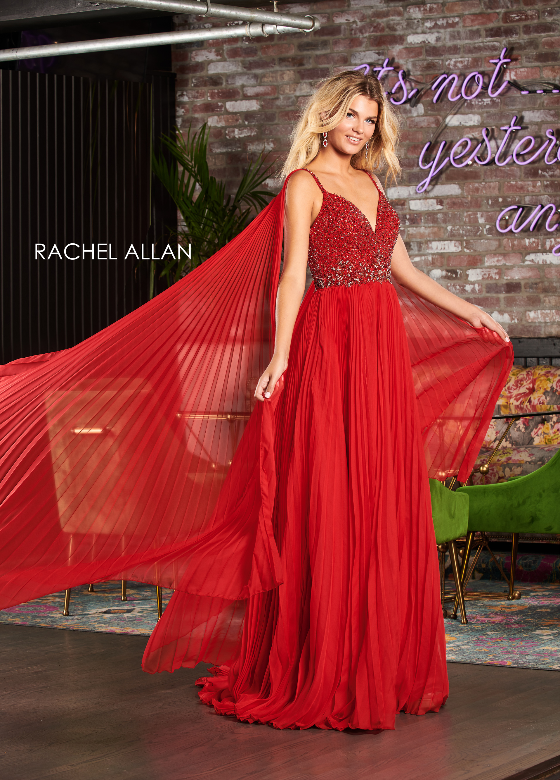 V-Neck A-Line Pageant Dresses in Red Color