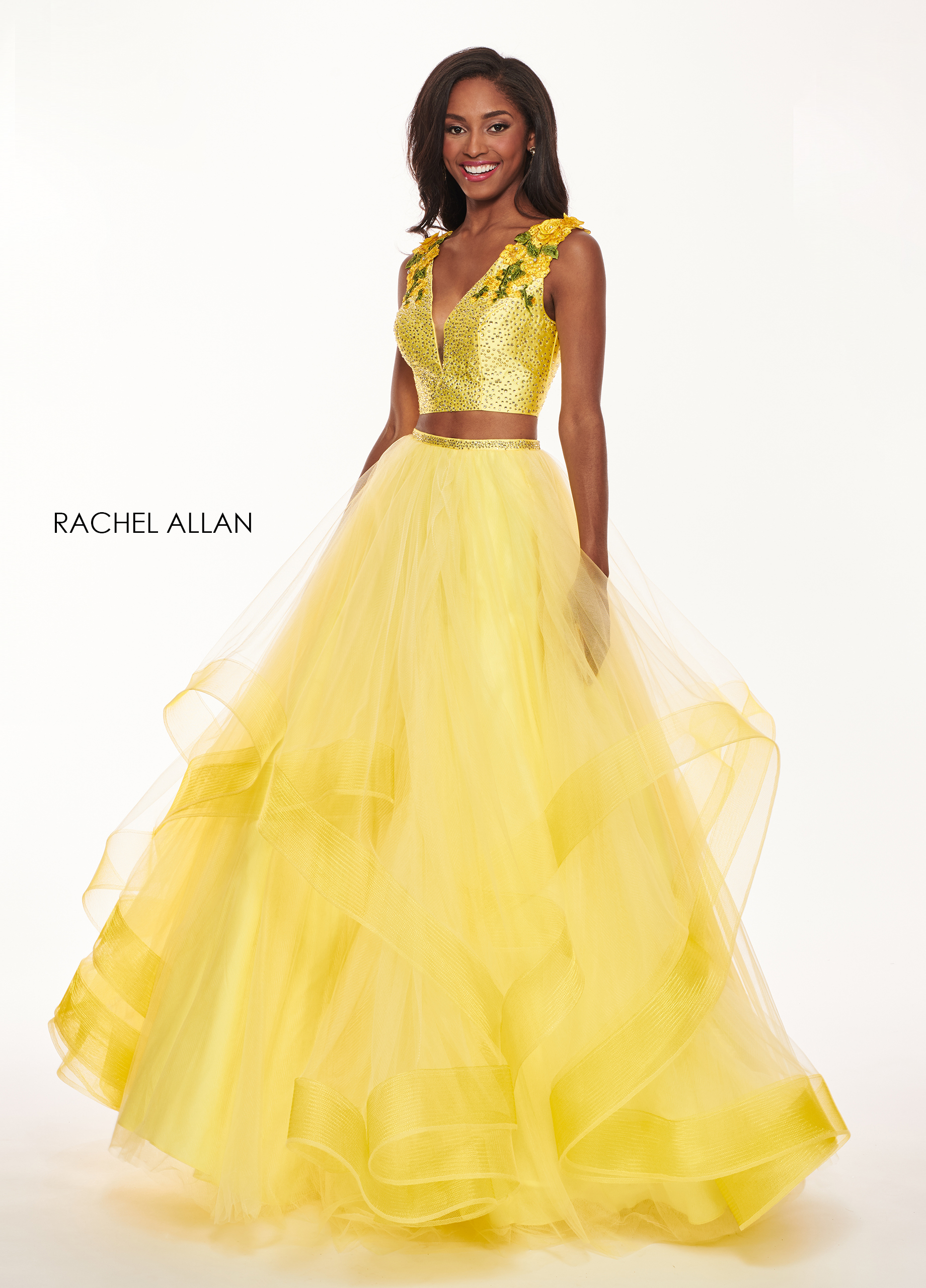 V-Neck Ball Gowns Prom Dresses in Yellow Color