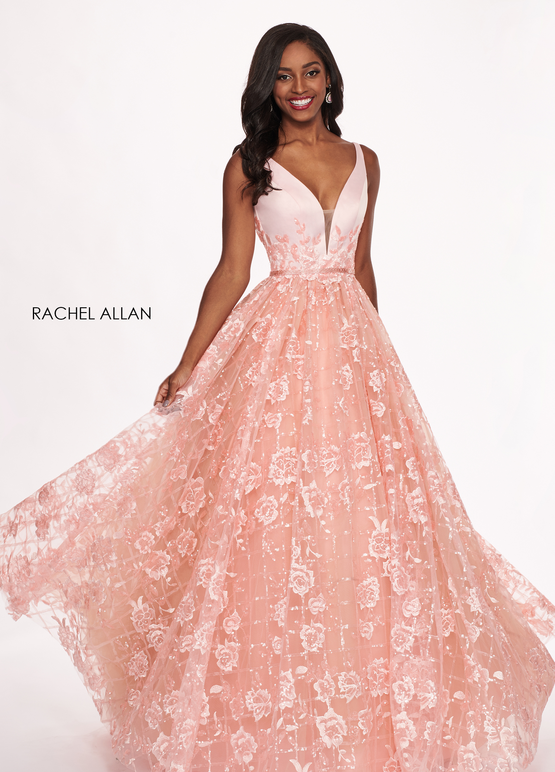 V-Neck Ball Gowns Prom Dresses in Blush Color