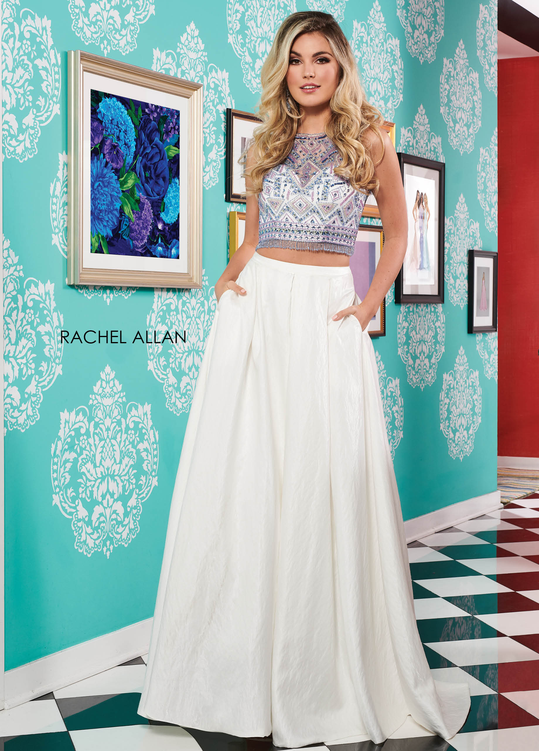 Scoop Neck Two-Piece Prom Dresses in White Color