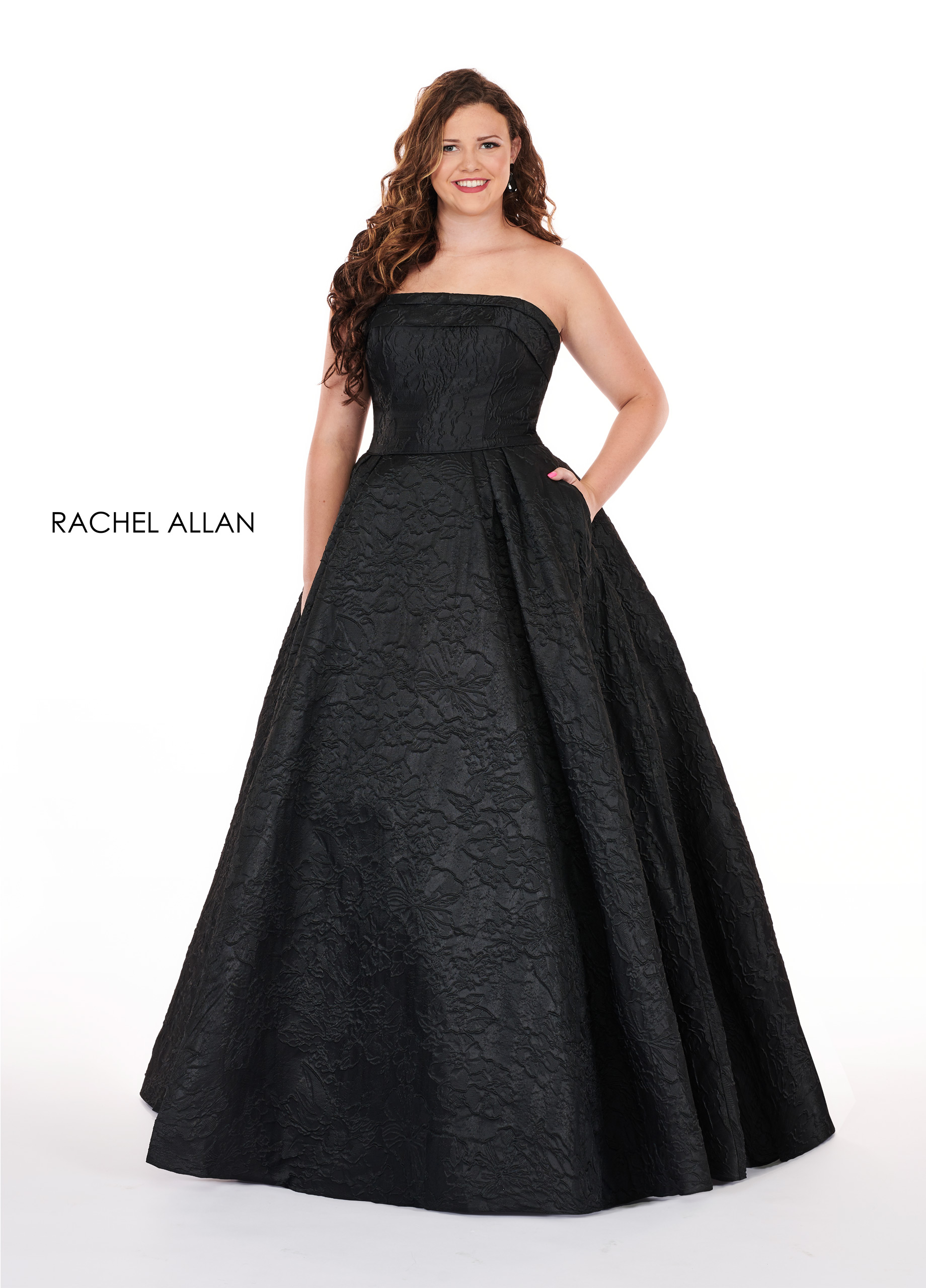 Strapless Ball Gowns Plus Size Dresses in Black Color