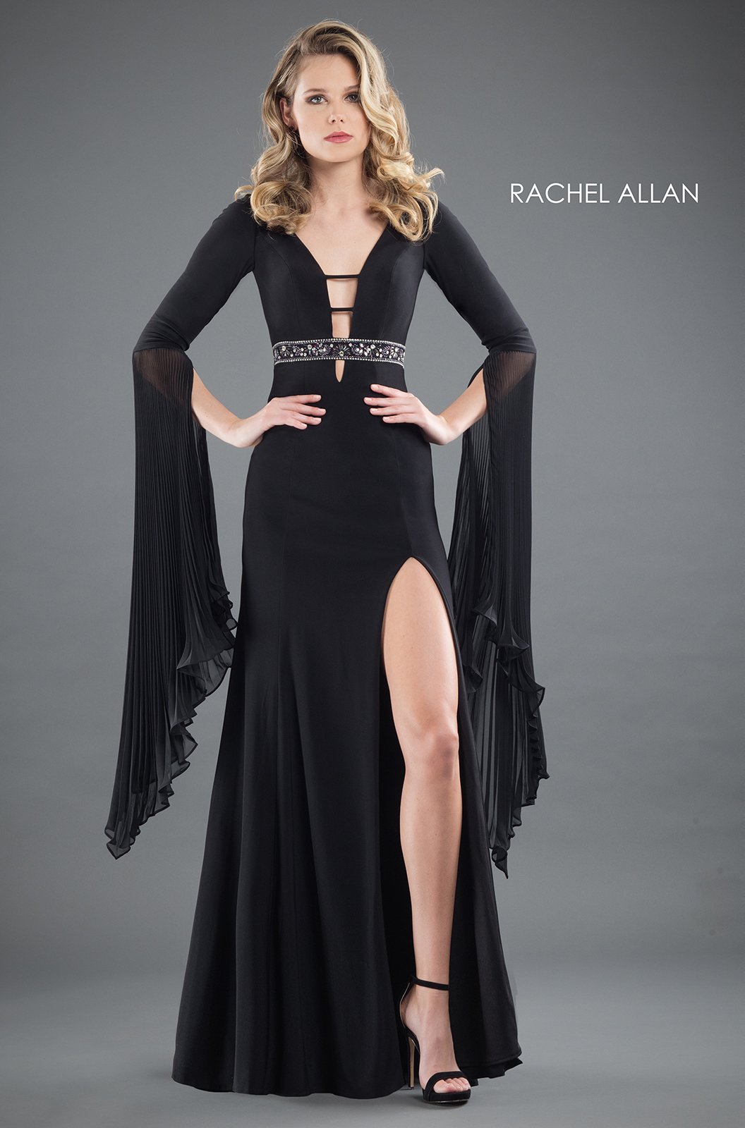 V-Neck Fitted Long Couture Dresses in Black Color