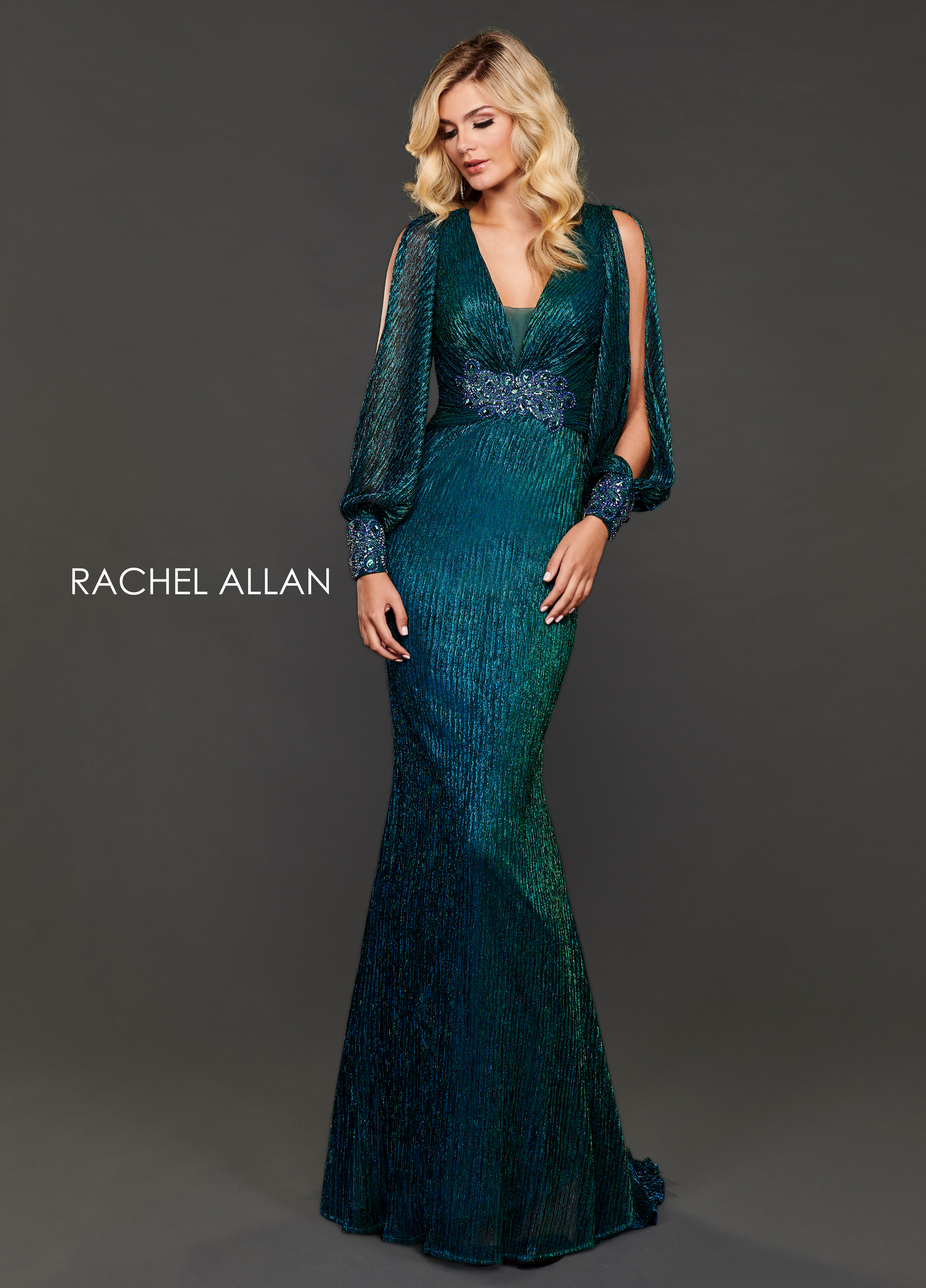 V-Neck Fitted Long Couture Dresses in Green Color