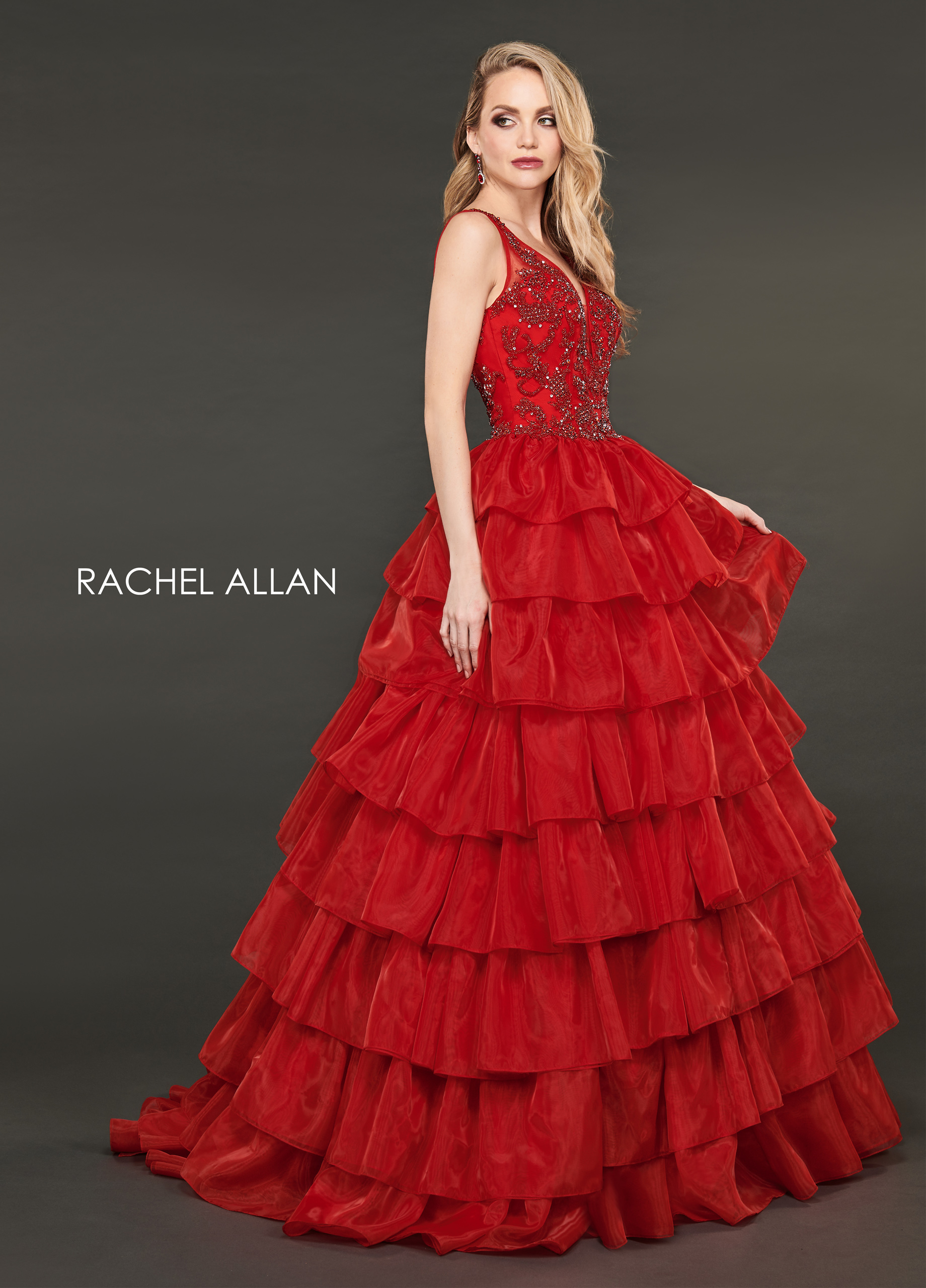 V-Neck Ball Gowns Couture Dresses in Red Color