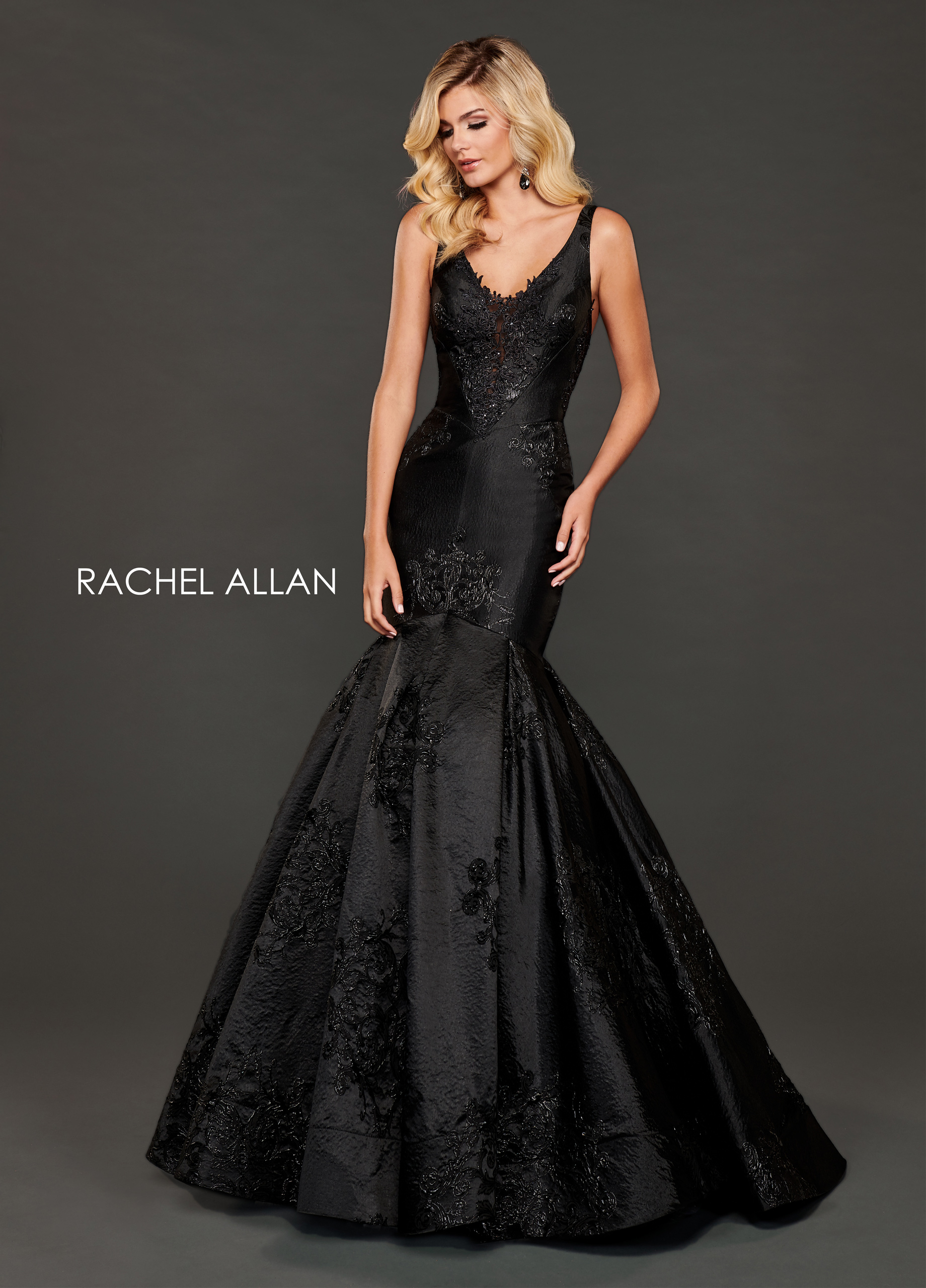 V-Neck Mermaid Couture Dresses in Black Color