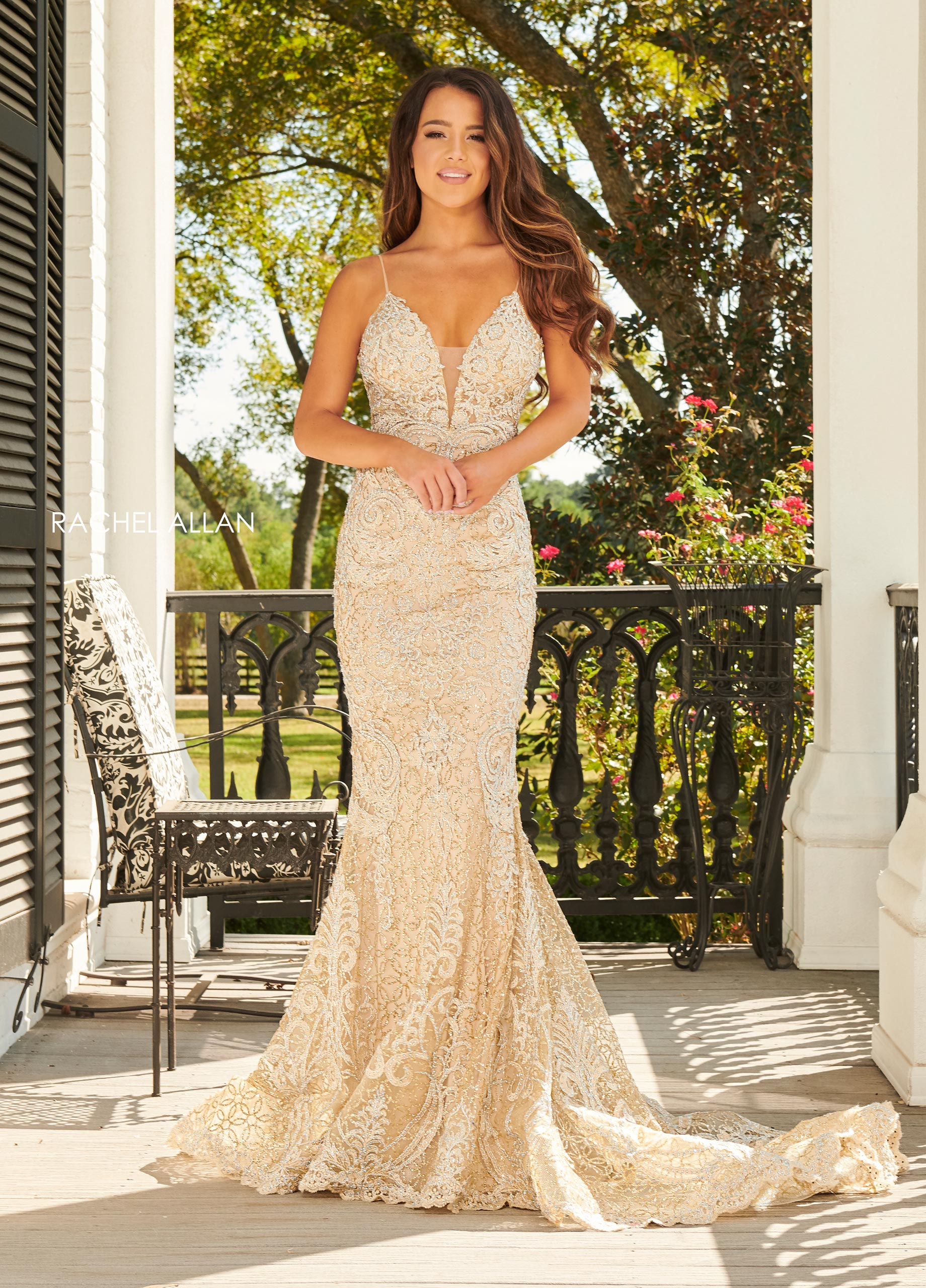 V-Neck Fitted Long BEST SELLERS in Gold Color