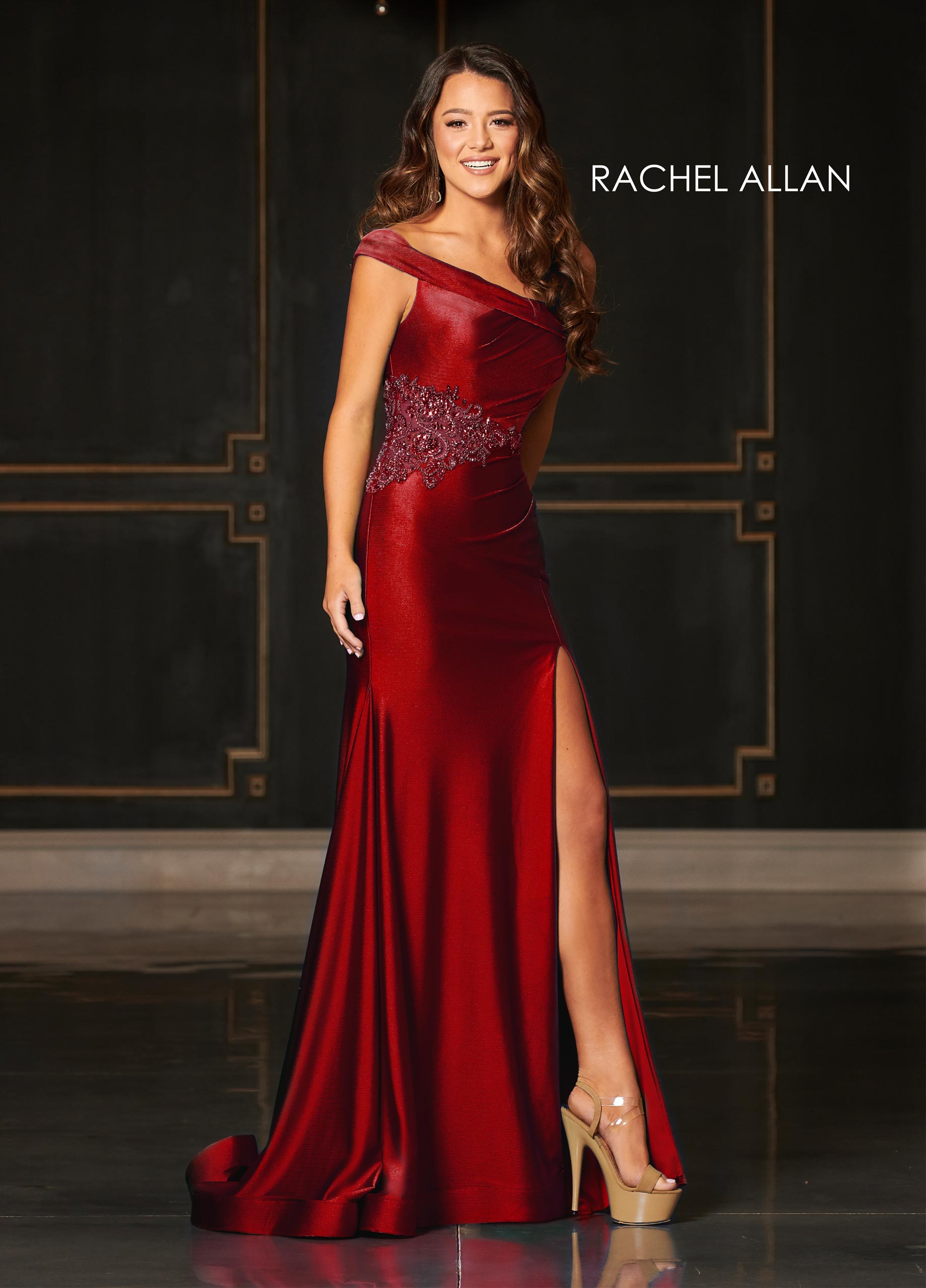 One Shoulder Fitted Long Couture Dresses in Red Color