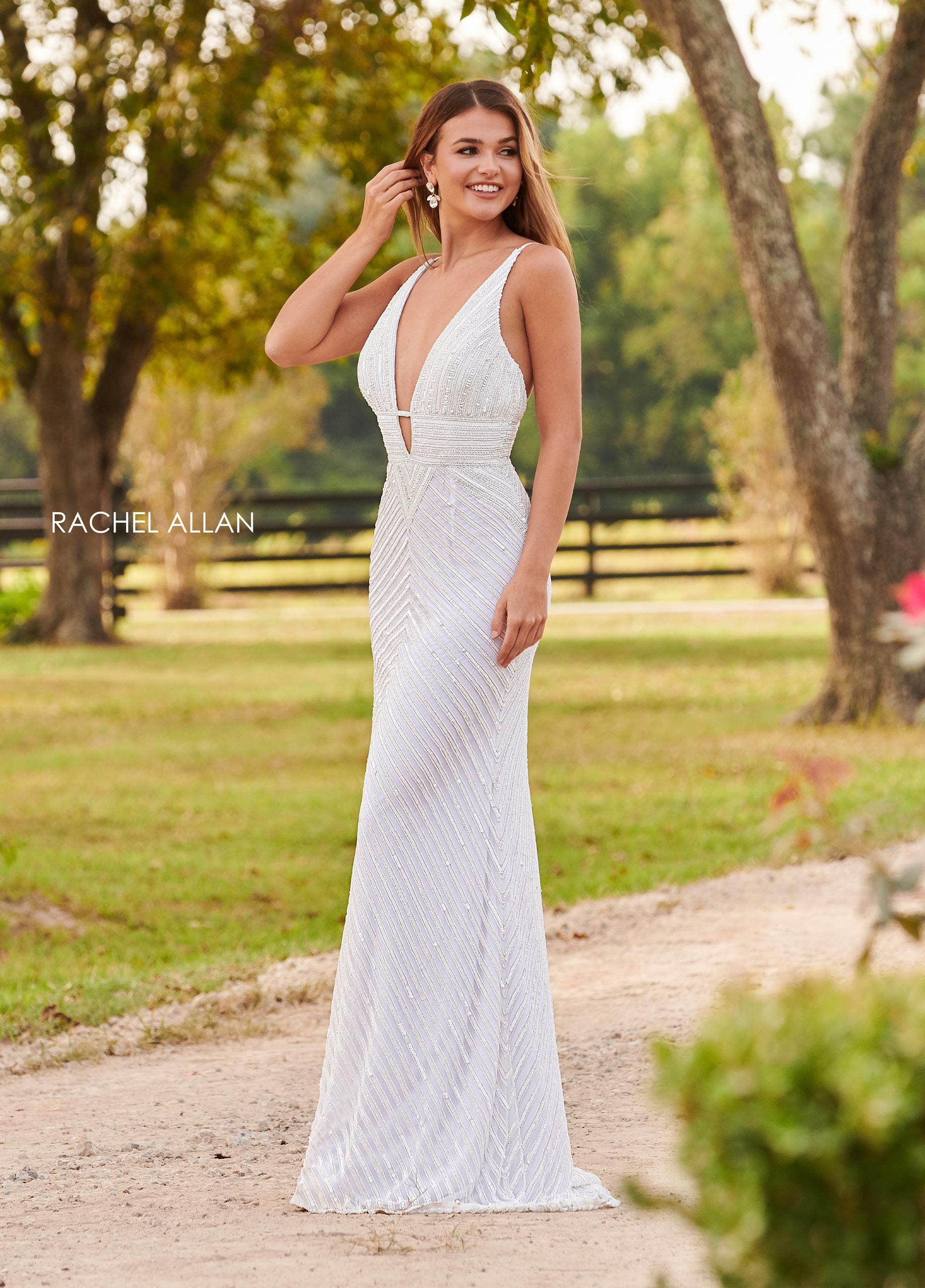 V-Neck Fitted Long Prom Dresses in White Color